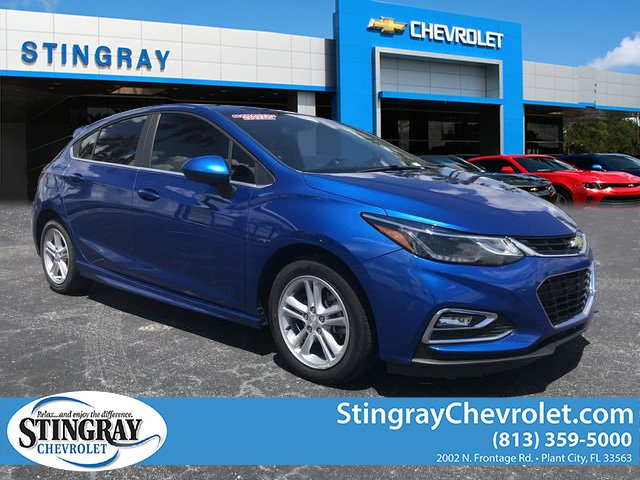 New 2017 Chevrolet Cruze LT Hatchback